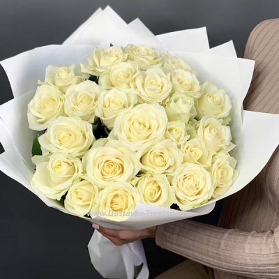 """Bouquet of white roses """"Amphibia"""""""