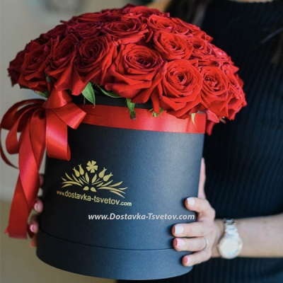 """Box of red roses """"Tiffany"""""""
