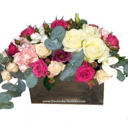 """Розы в ящике """"Десерт Богини"""""""