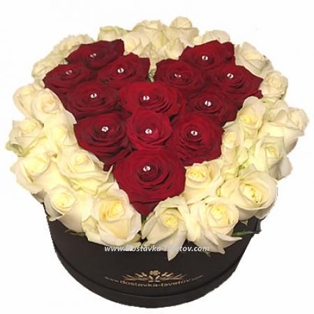 """Сердце из роз в коробке """"Бэль"""""""