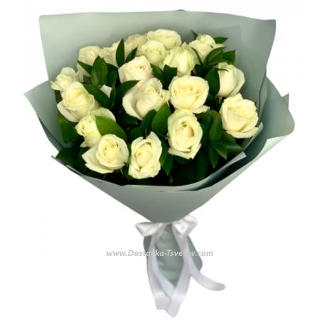 """Розы Белые розы и зелень """"Льдинка"""""""