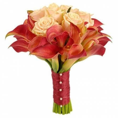 "Розы с каллами ""Кораллы"""