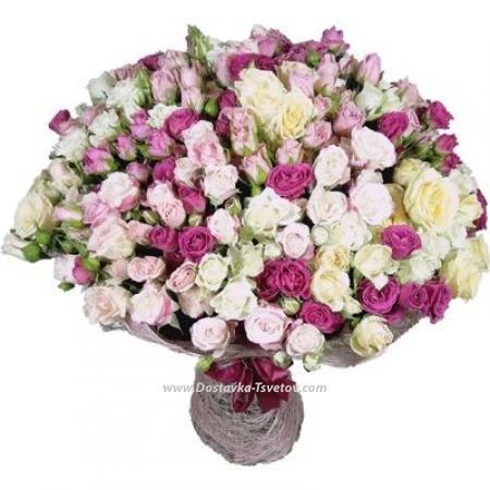 """Кустовые розы в букете """"Сияние"""""""