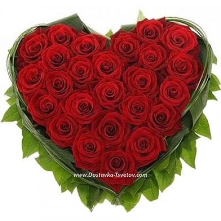 """Сердце из роз """"Черри Лав"""""""