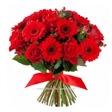 """Герберы и розы """"Красная любовь"""""""