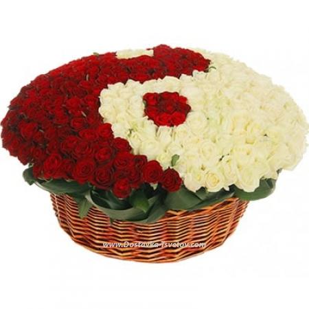 "301 роза в корзине ""Инь и Янь"""