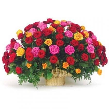 """Розы в корзине """"Ароматный Мир"""""""