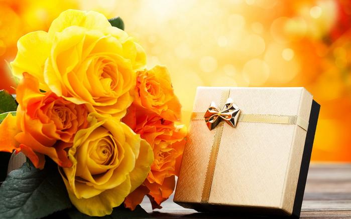 Подарки с цветами