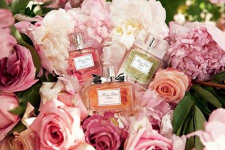 Парфюм и духи с цветами